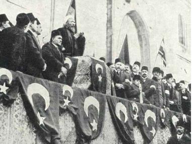 Der Shaykh ul-Islām proklamiert 1914 den Jihad gegen Russland, England und Frankreich.