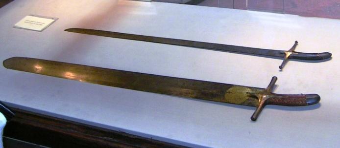 Zwei der Propheten-Schwerter im Topkapi-Museum