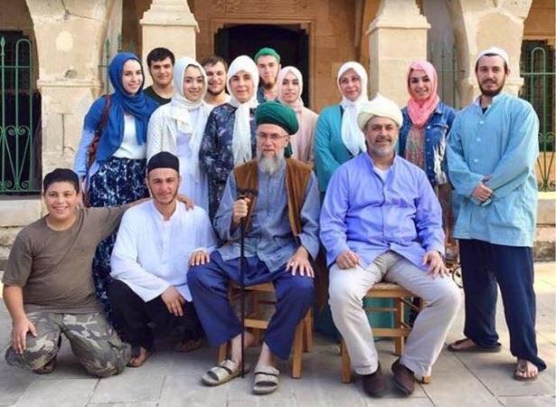 Scheich Muhammad und Scheich Bahauddin mit Familien