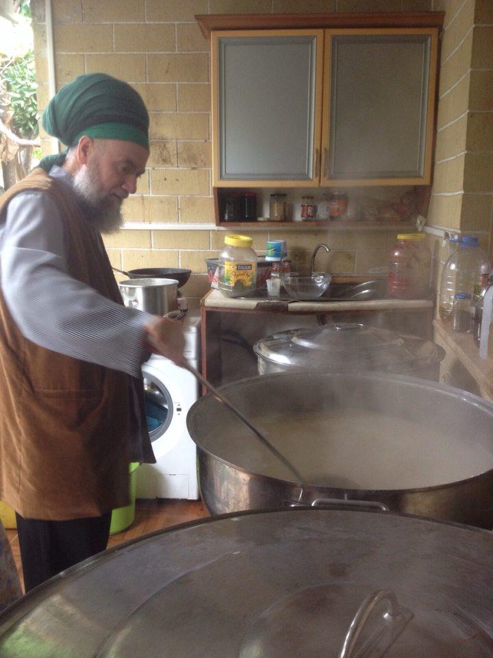 Scheich Muhammad beim Kochen